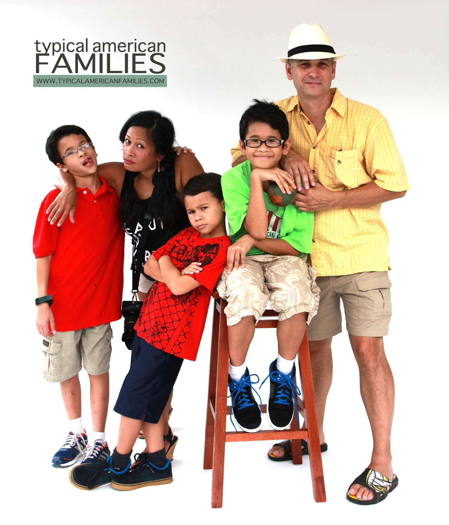 Photo of Oyzon-Mast family by Jeremiah Ojo at the Inaugural Open Photo Shoot of Typical American Families