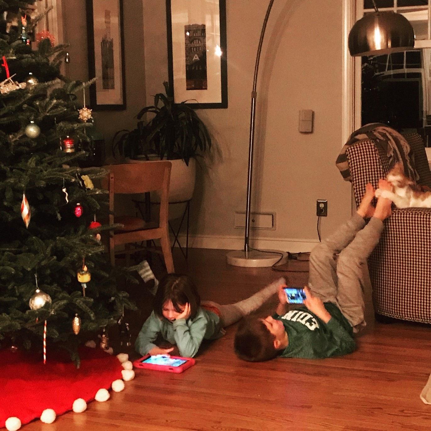 kids on floor.jpg