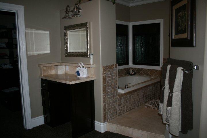 bathrooms23.jpg
