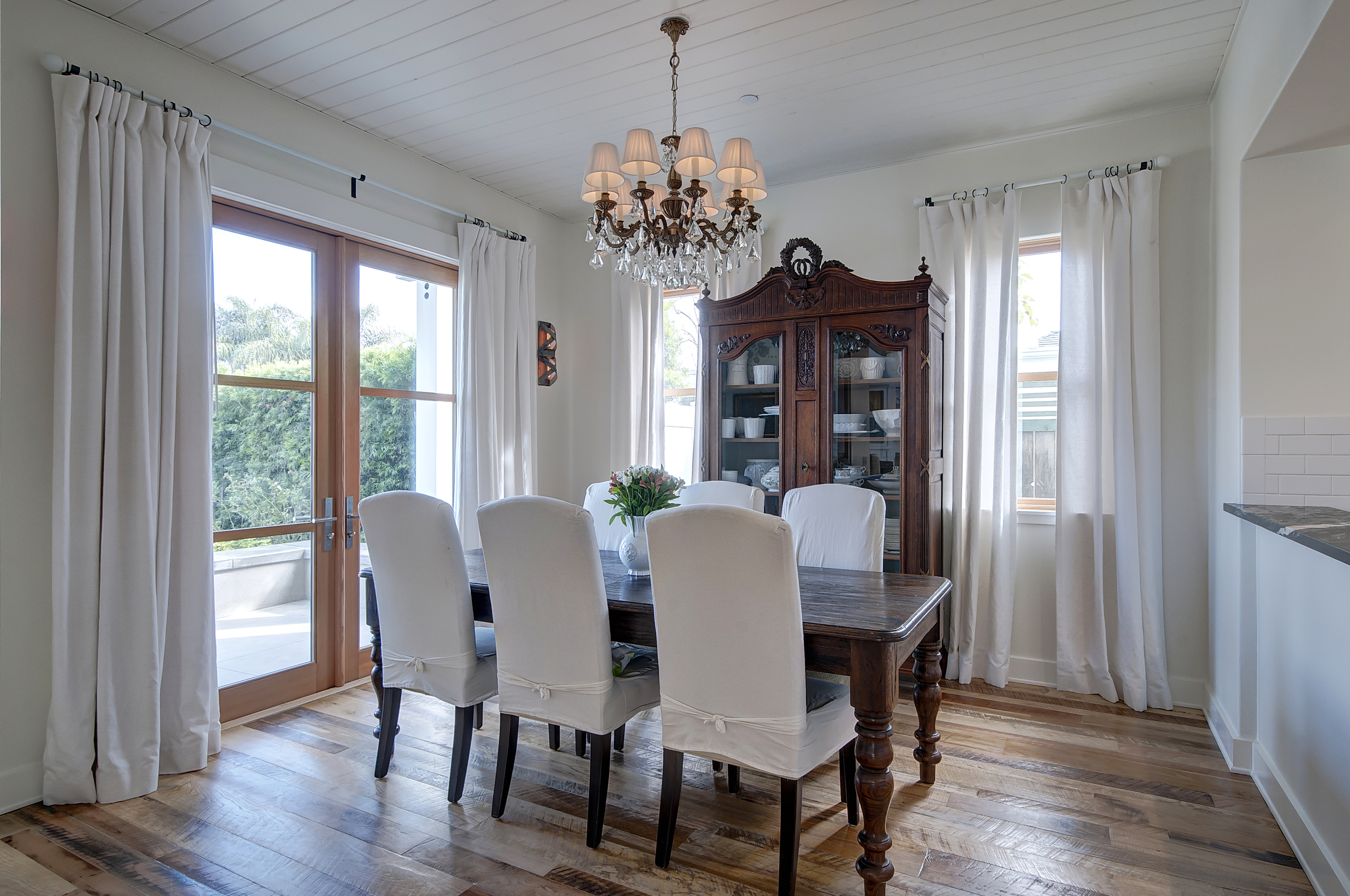 Dining Area-2-Natural.jpg