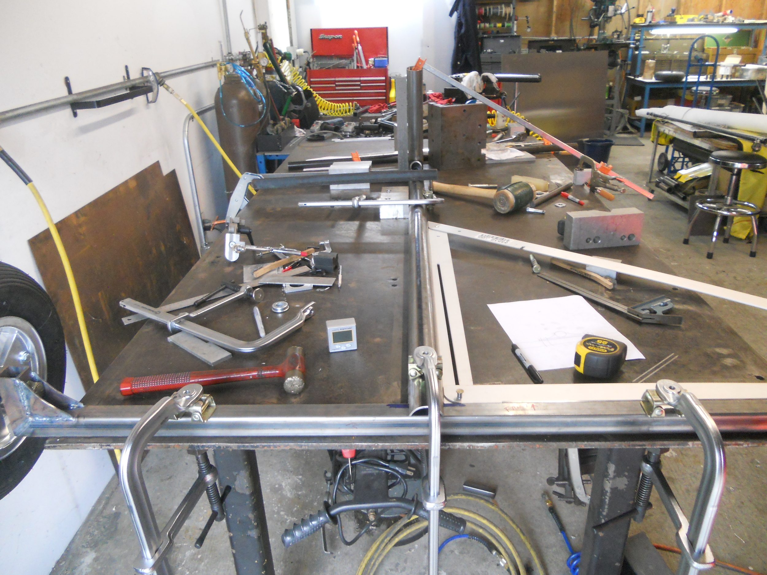 Setting up the rear axle on the welding bench