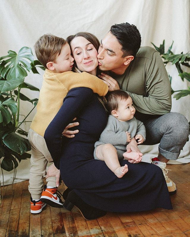 Watching families grow each year is hands down the best part of my job... This little man became a big brother this year and his gorgeous mama is surrounded by so much love from all of her sweet boys... Gearing up for my first LA mini sessions this weekend and can't wait to meet a new group of babes!