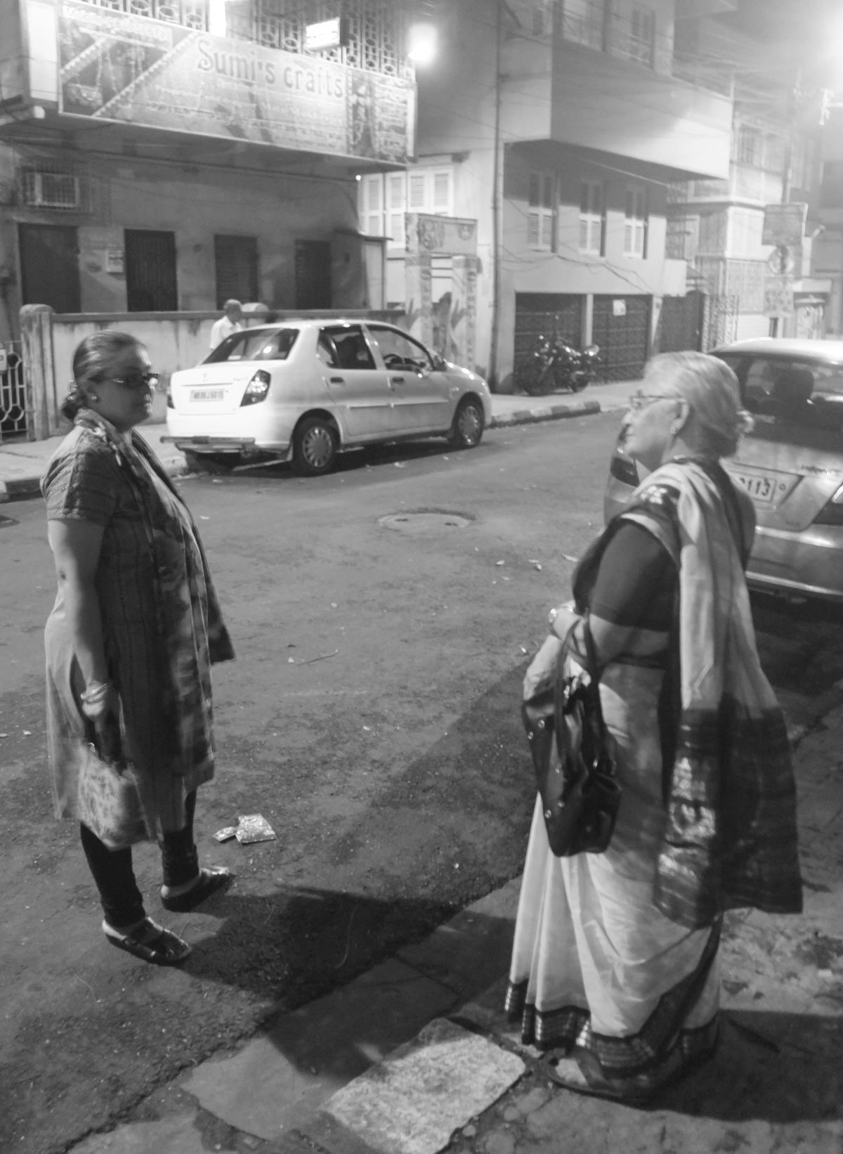 manjira and her mom (arundhati), near byloom, calcutta, july 2013