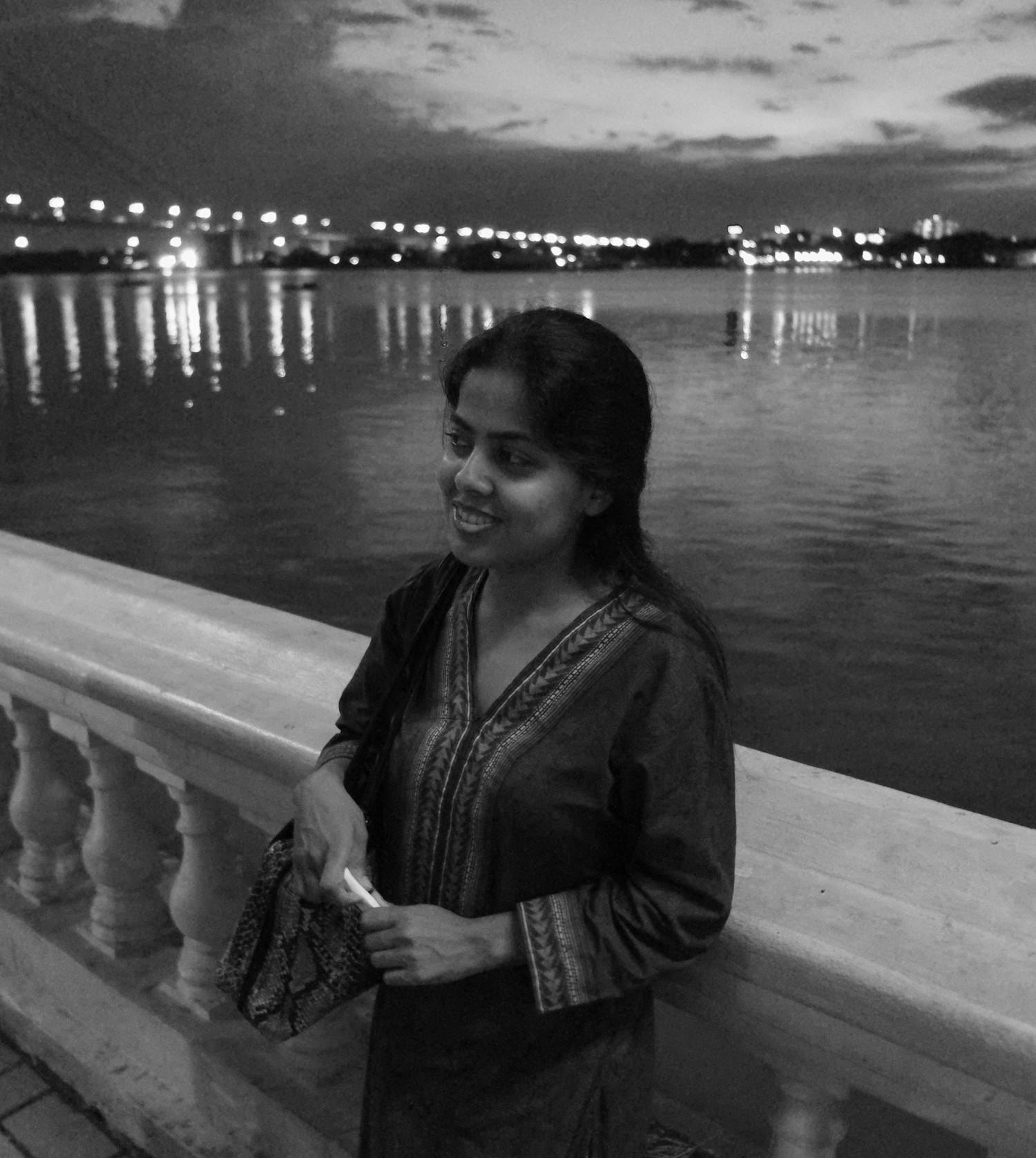suchismita, along the river, kolkata, august 2014