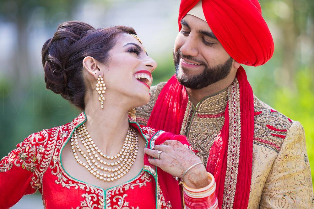 201607300102Edmonton-Photographer-East-Indian-Weddings-Wedding-Day-Chanpreet-&-Gurdeep-2276.jpg