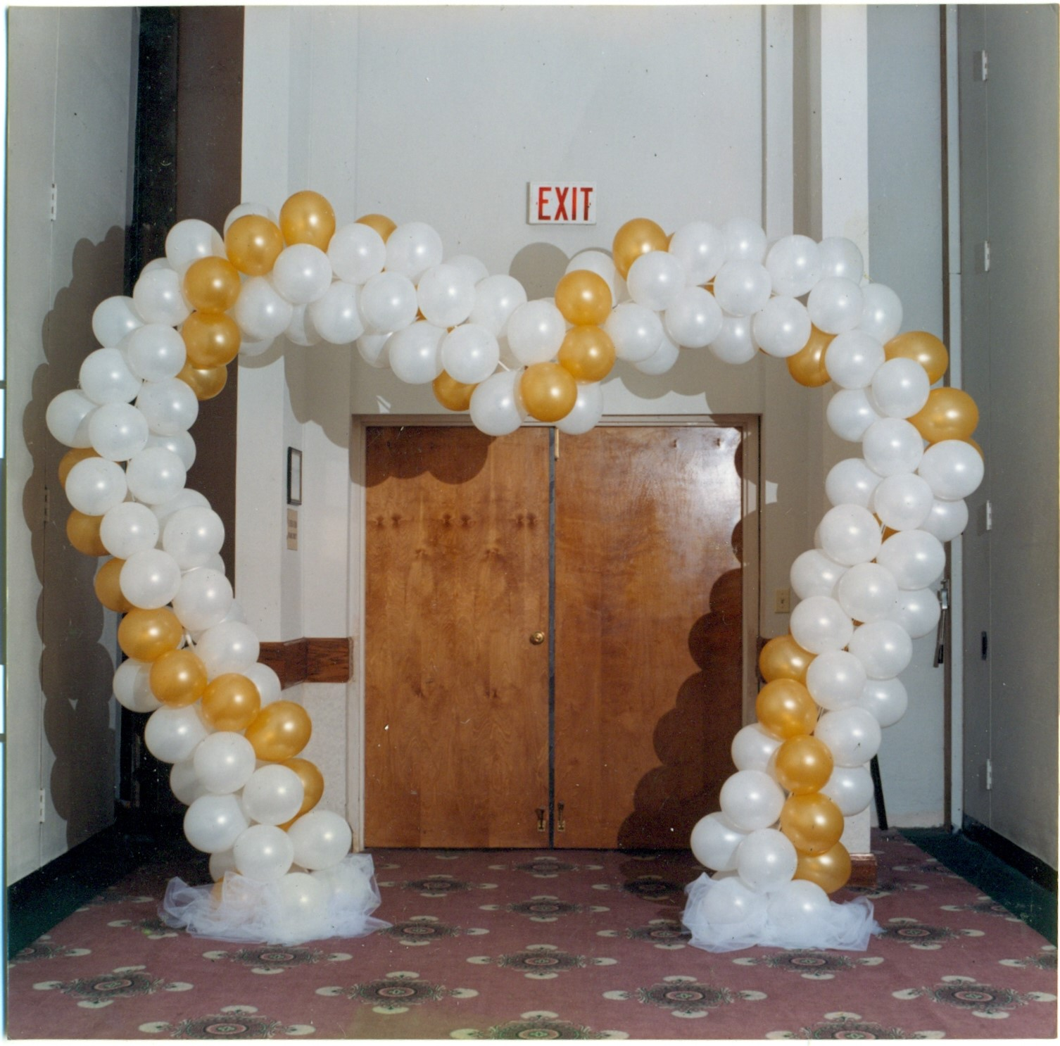 heart entrance0001.jpg