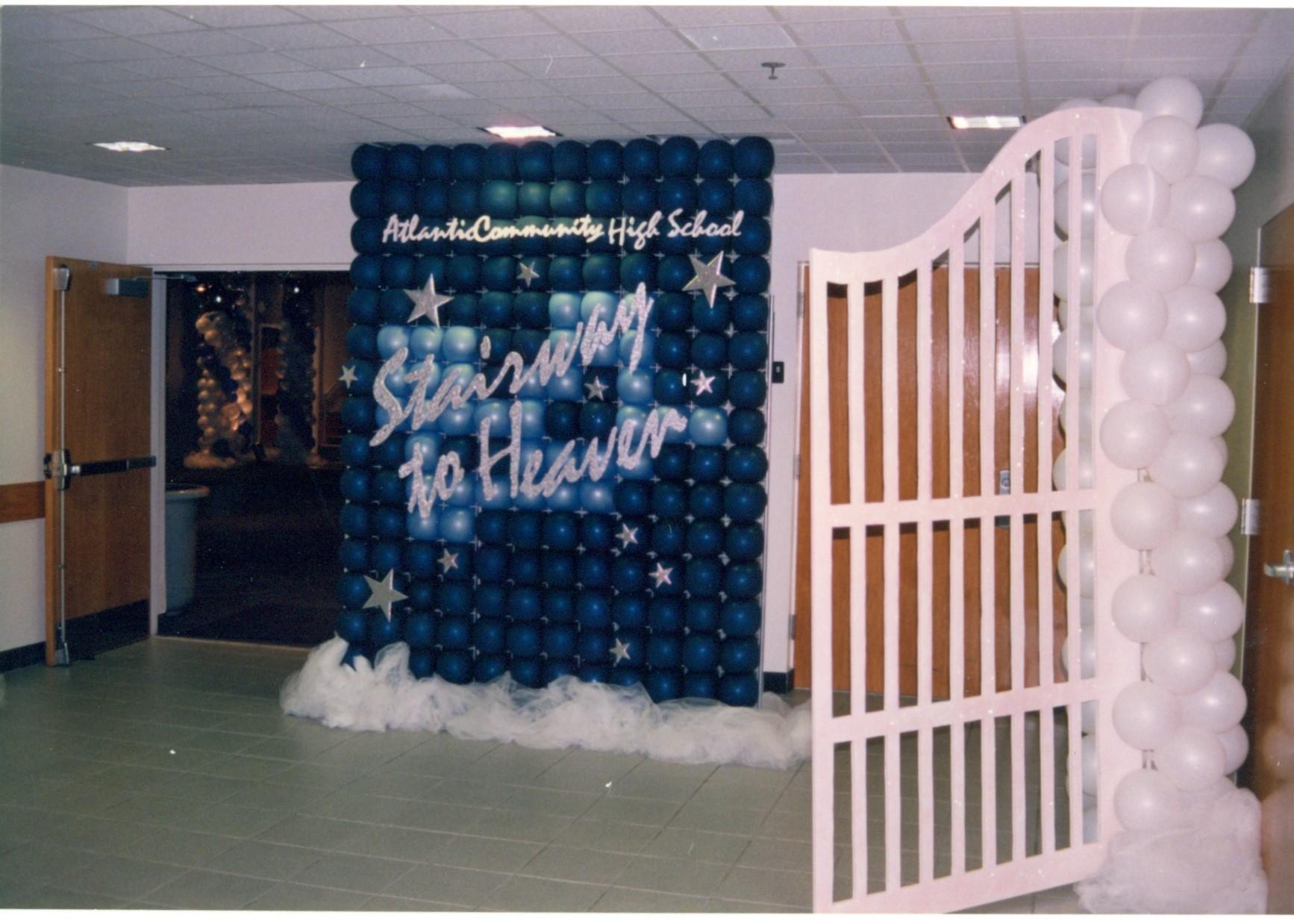 prom entrance0002.jpg