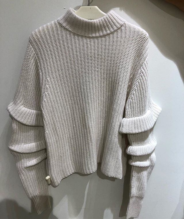 Have your knits about you @autumncashmere  #white #ruffles #sweater #autumncashmere #torontoshopping