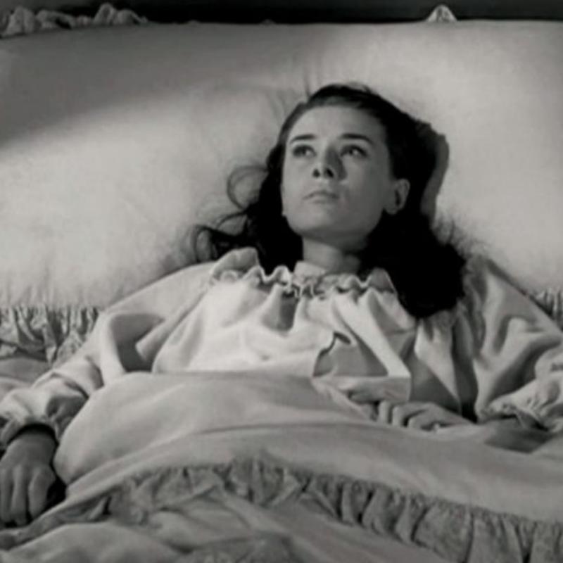 Audrey Hepburn abed