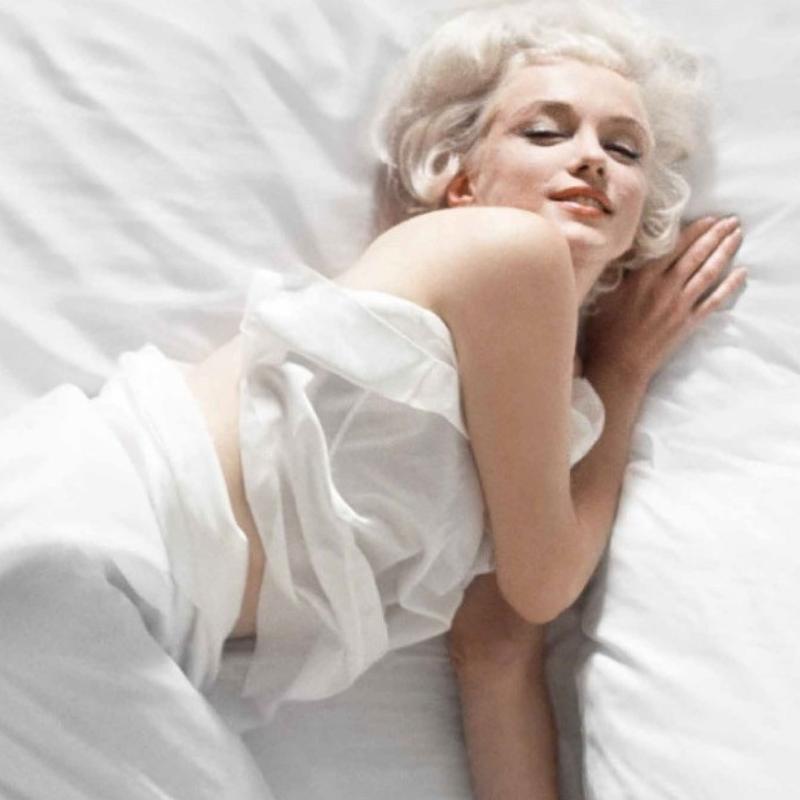 Marilyn Monroe abed. Wowza!