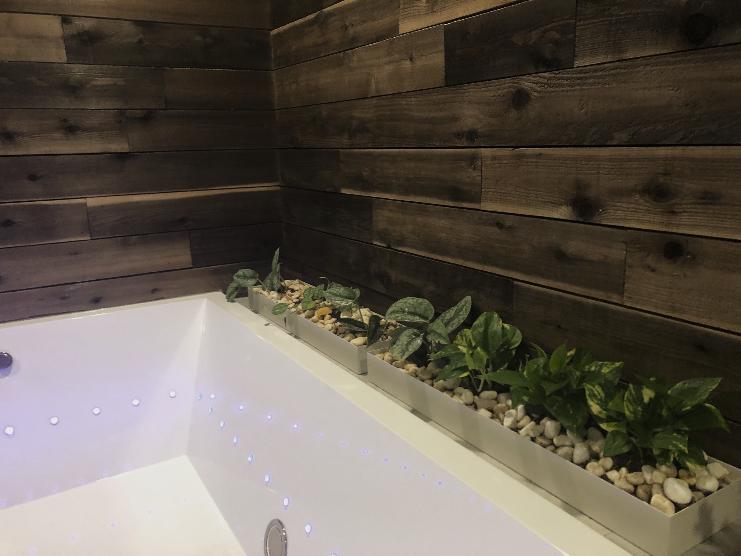 Couples Float Room