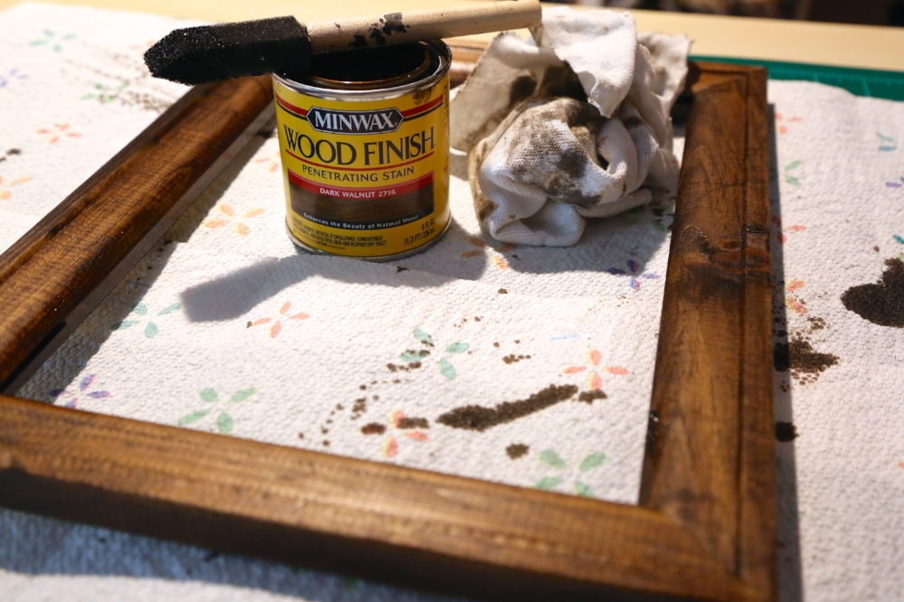 staining reverse canvas frame