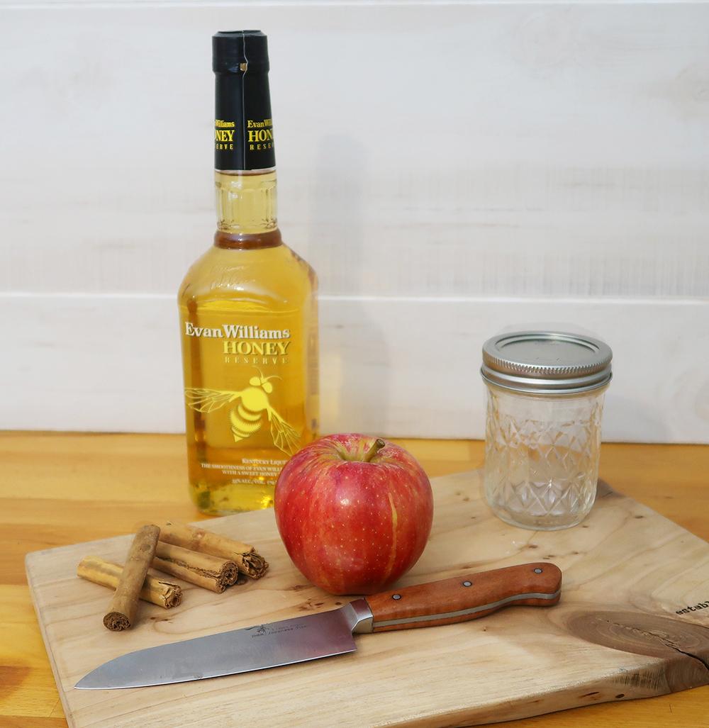 Apple_Cinnamon_Whiskey.jpg