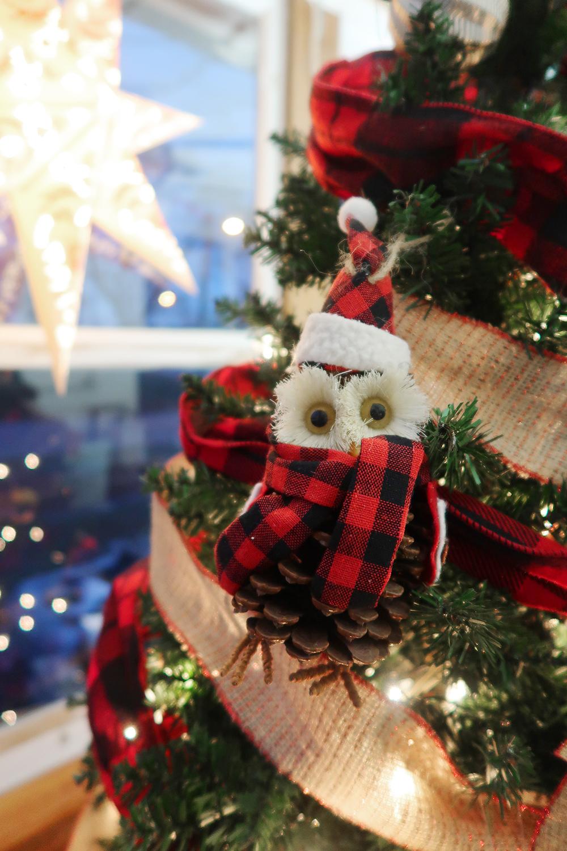 Buffalo Check Christmas Tree 5