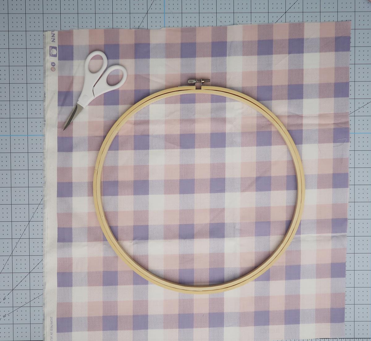 Embroidery Hoop Easter Wreath10