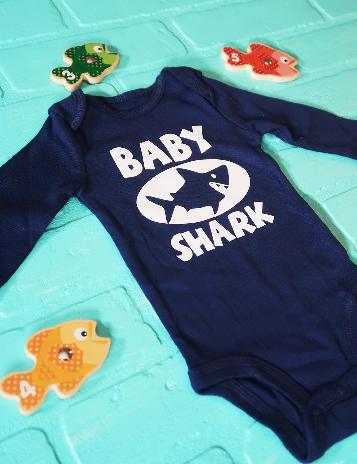 Baby_shark_onesie2.jpg