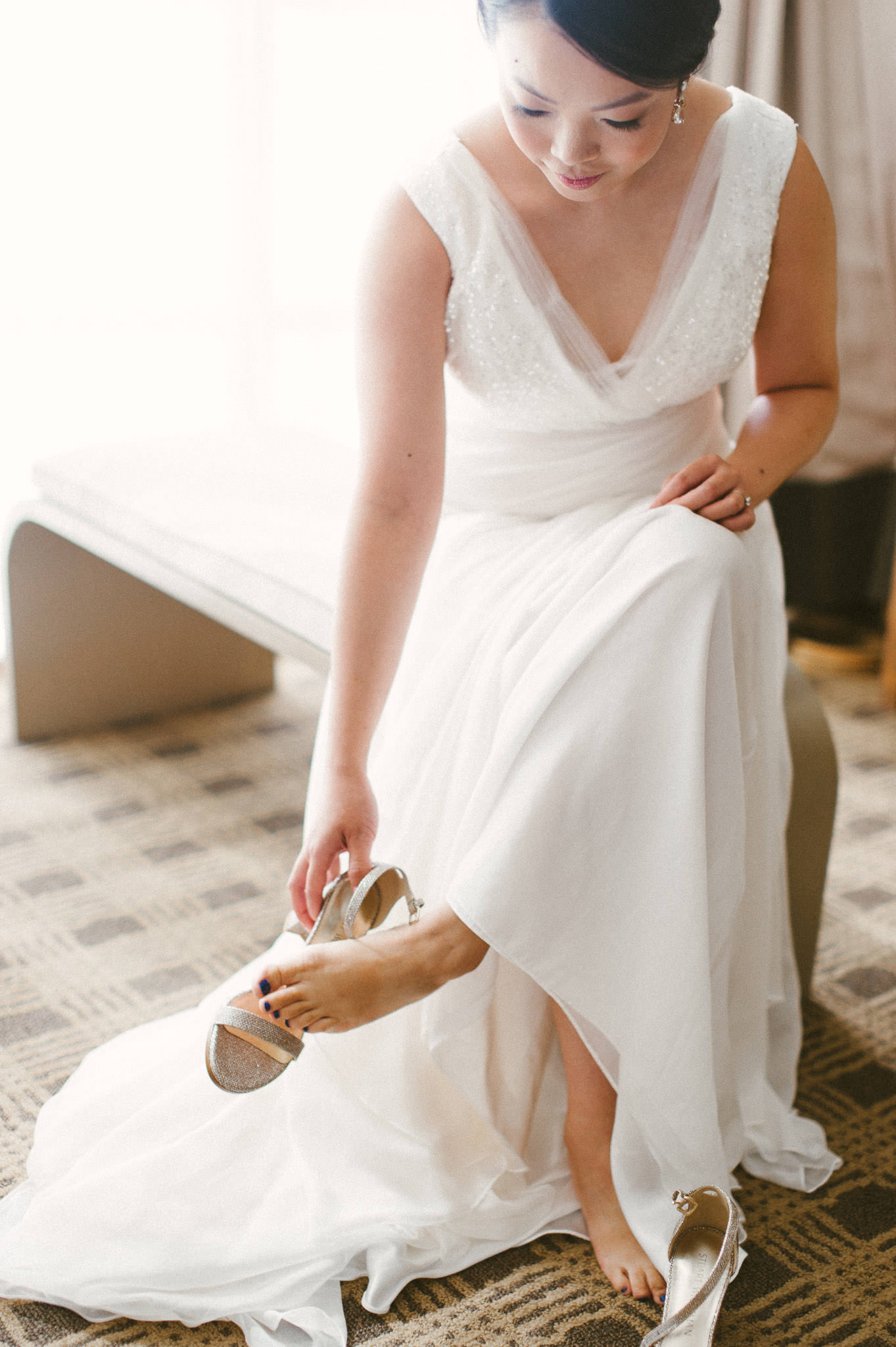 Vancouver bride getting ready