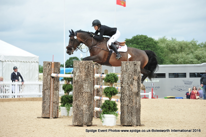 Doonaveeragh Emma - 1.40 Final - Bolesworth