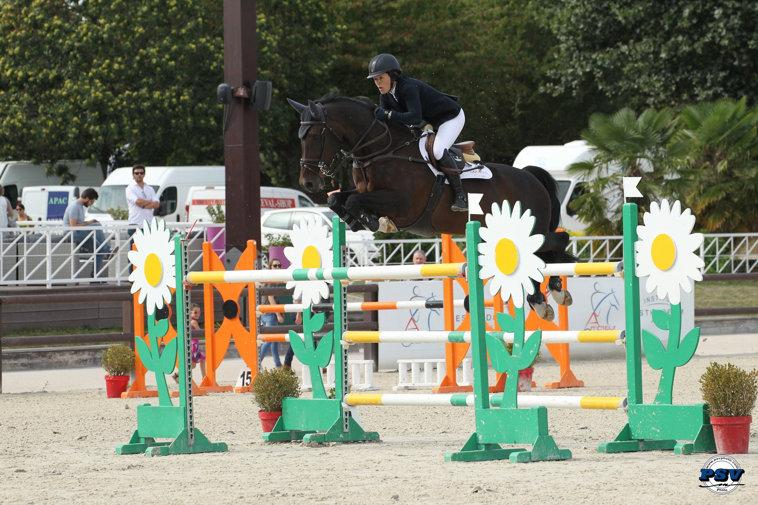 CSI2* Grand Prix Jardy - one stirrup