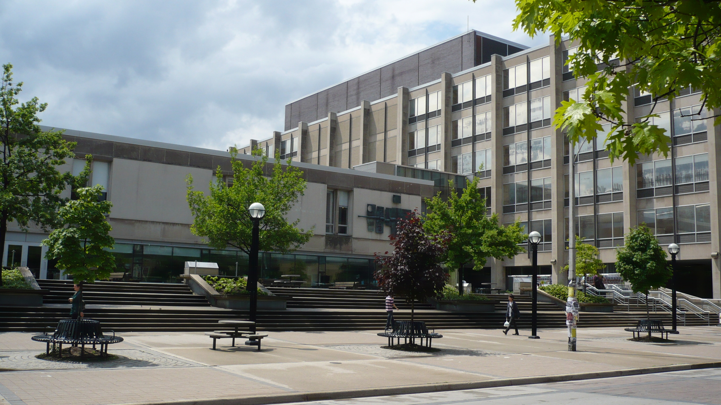 Sid_Smith_Building,_University_of_Toronto.jpg