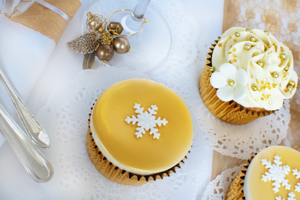 Christmas cupcakes by The Chipping Norton Tea Set