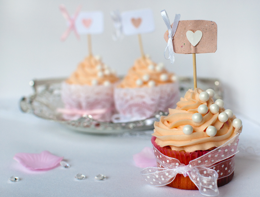 Valentine cupcakes by The Chipping Norton Tea Set