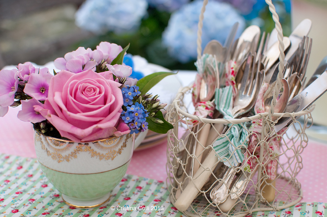 By just using some fabric off cuts to tie cutlery together and add runners to your tableyou can create a stylish and inexpensive effect