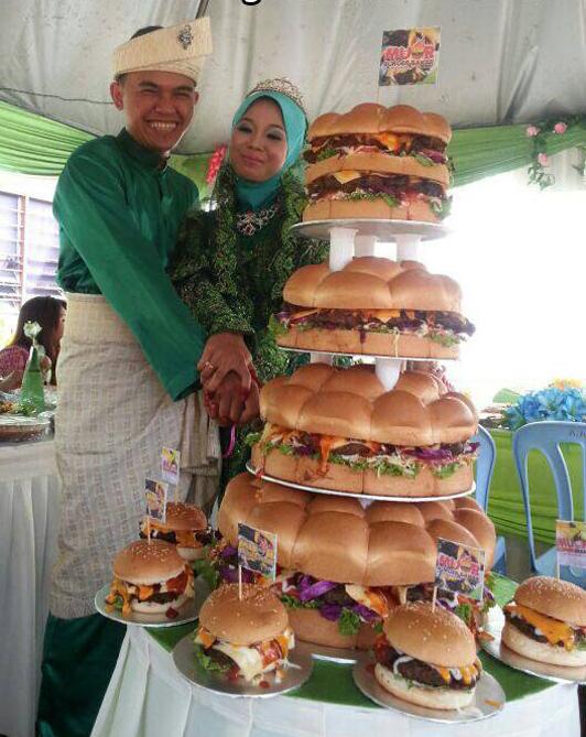 Burger_wedding_cake_1.png