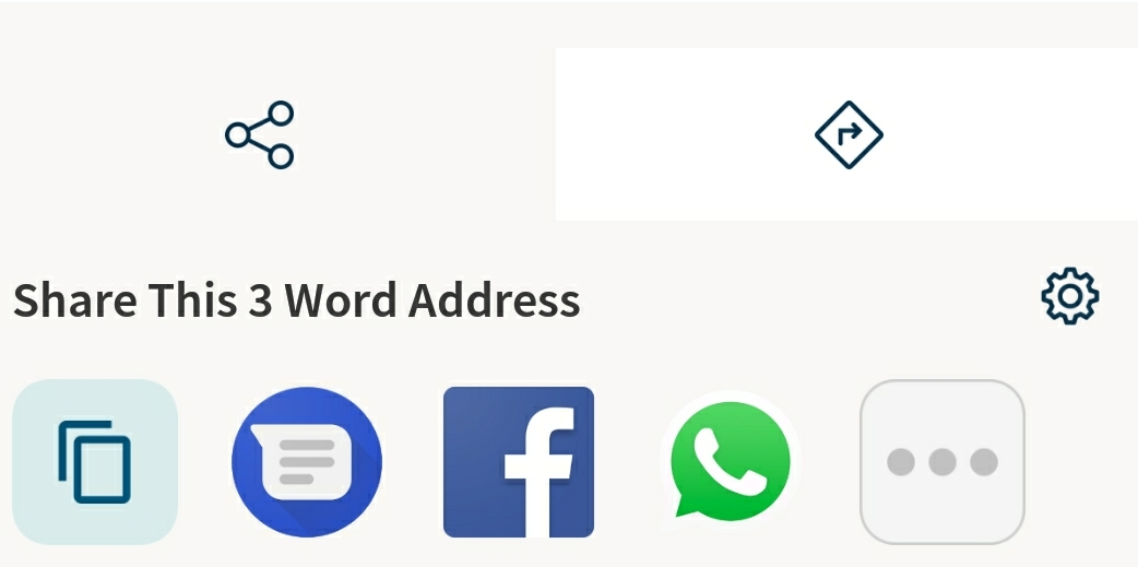 Once you enter a three-word adress, you can share the exact location using any messaging app installed on your smartphone (Google Messages, Facebook, Whatsapp, etc).