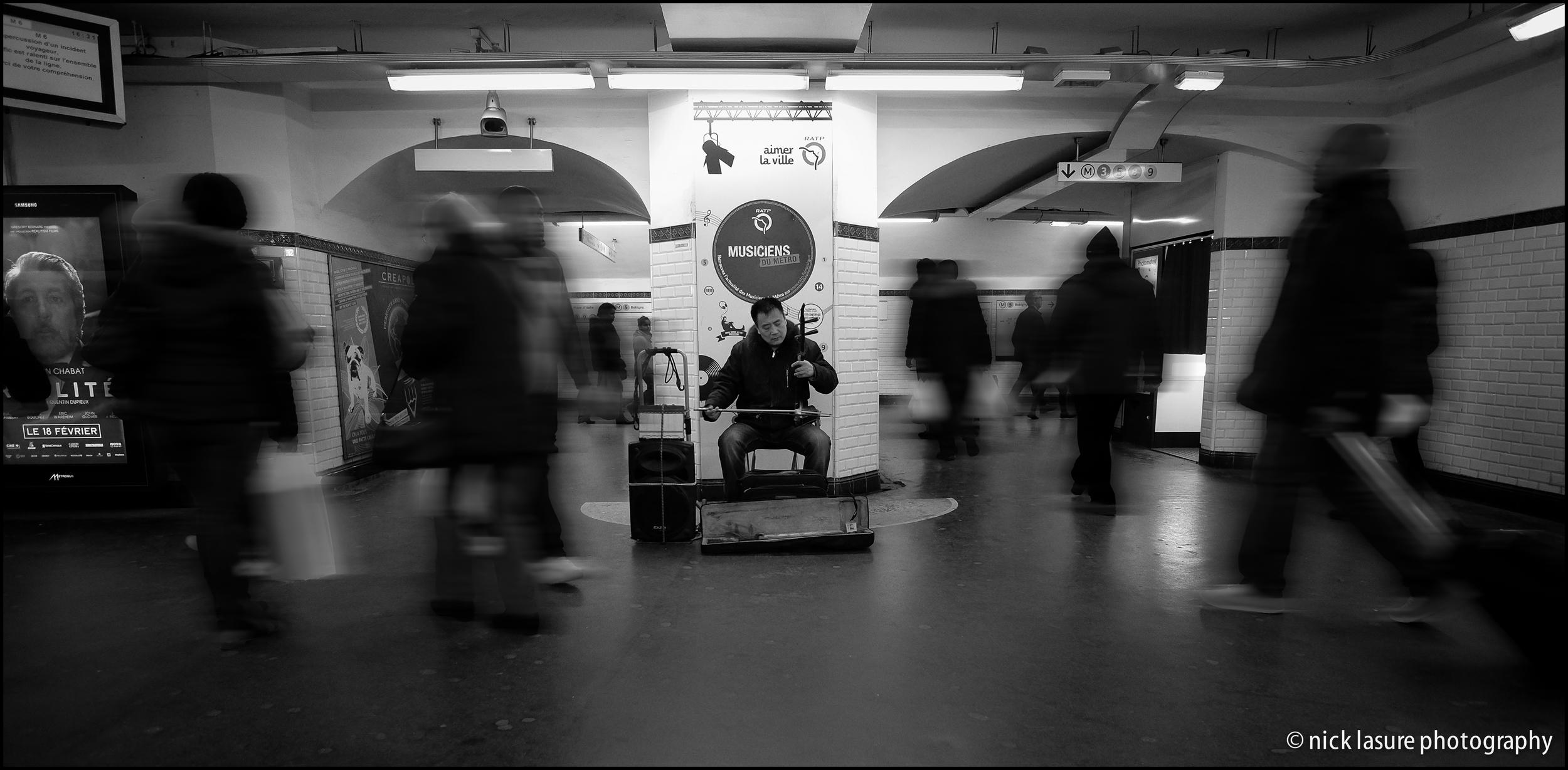 Music in the Metro | Fuji X-T1, XF 23mm