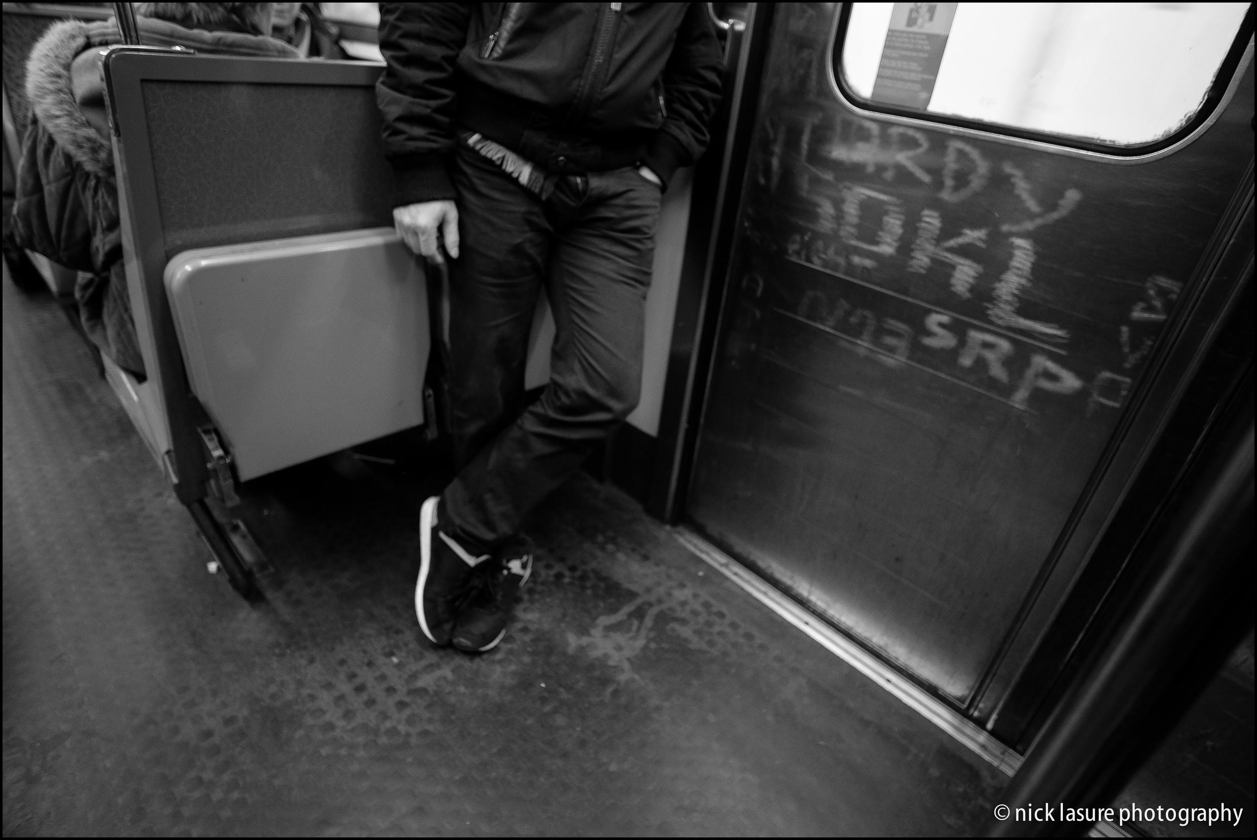 On the Metro | Fuji XT-1, XF 23mm
