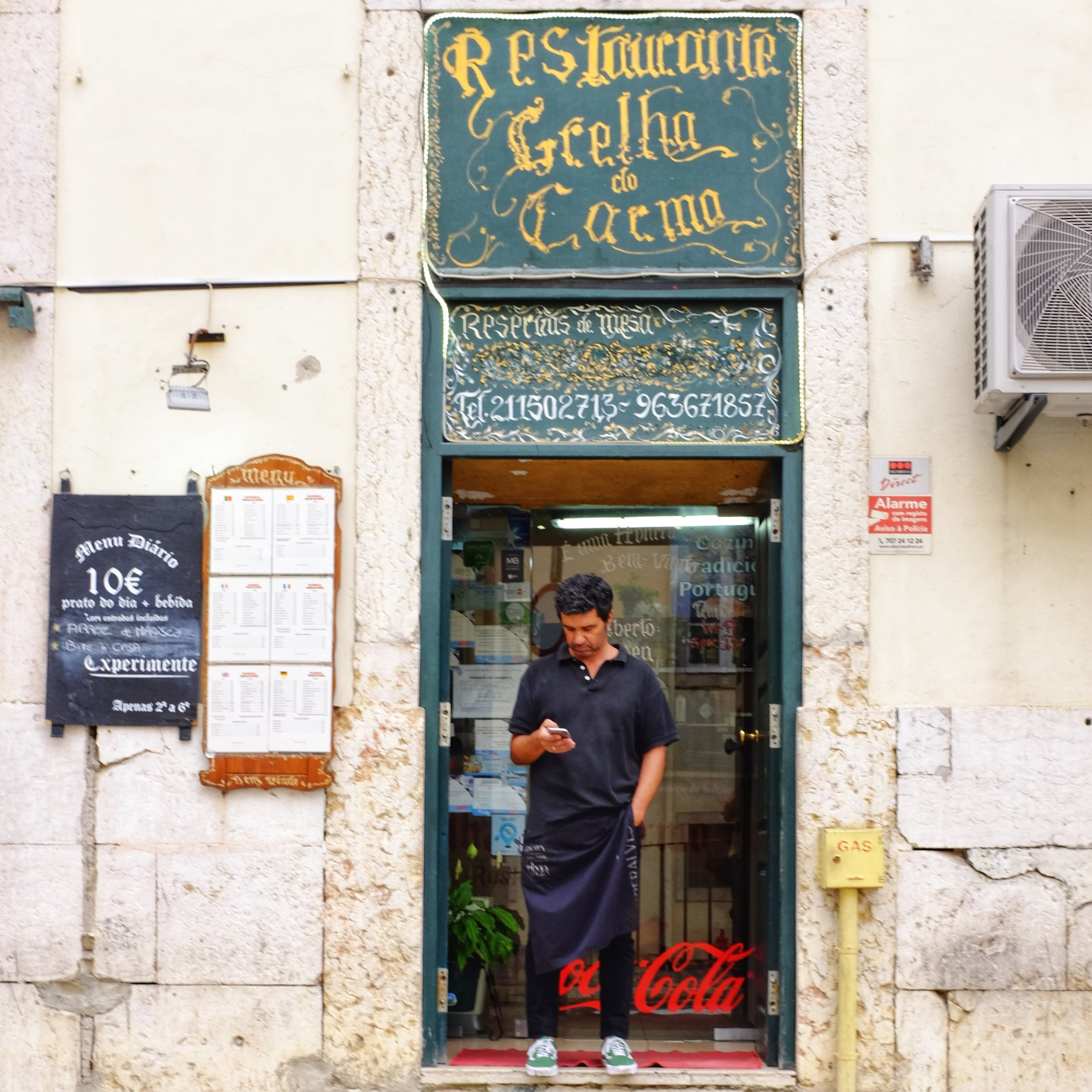 Street scenes in Lisbon - X100T