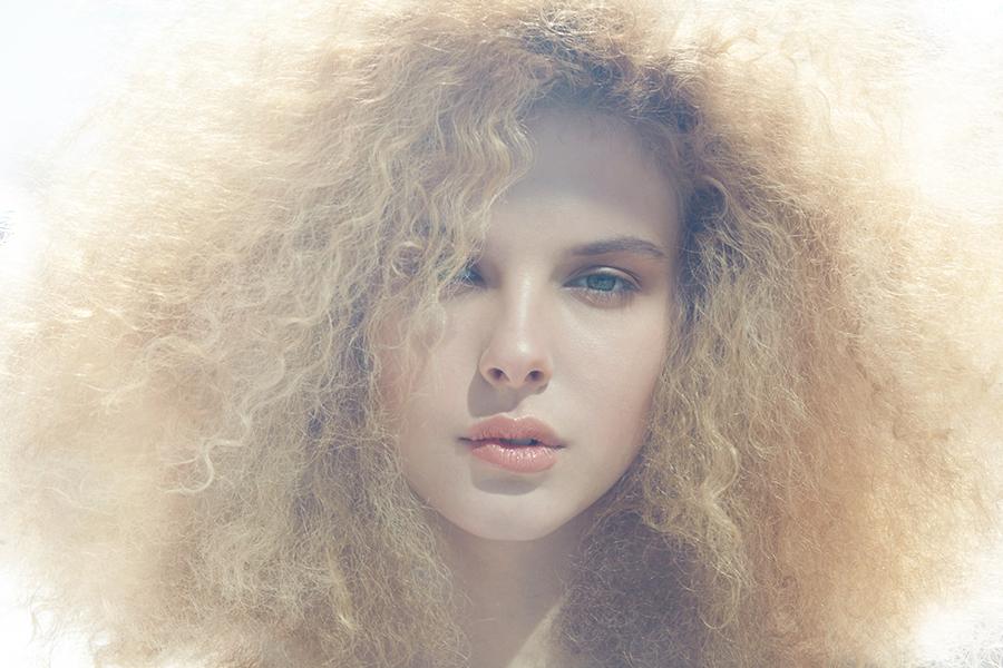 CopyrightRBrennecke_0855_beauty_Glossier-LipShine_lip-shine_Glossier_beauty_Fashion_Peach Lips_2.jpg