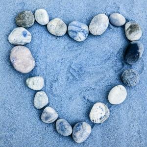 beach-heart-1391080-m.jpg