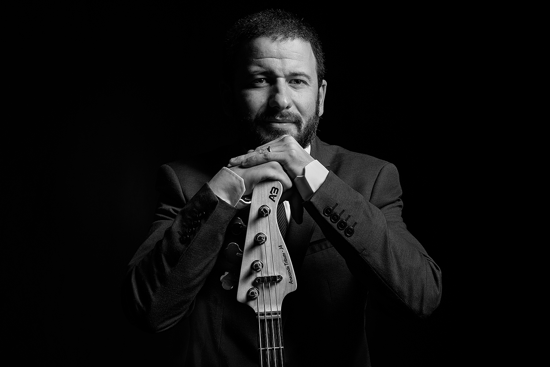 Deep Bass... - Juan Garcia-Bossio