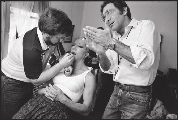 Mary Ellen Mark  photographs Dustin Hoffman on set, 1982.