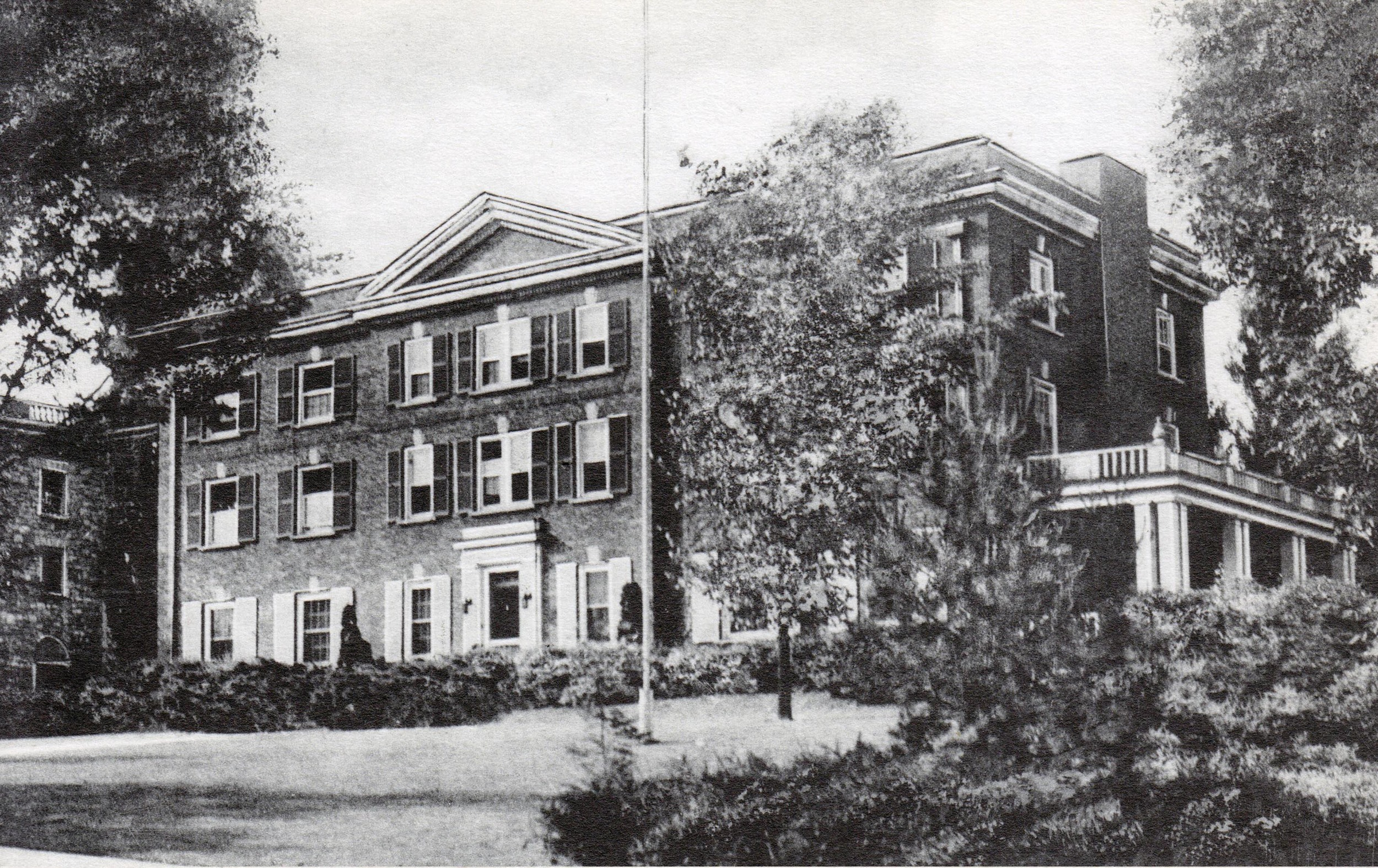 Click to see larger - Front of postcard - circa the 1930's
