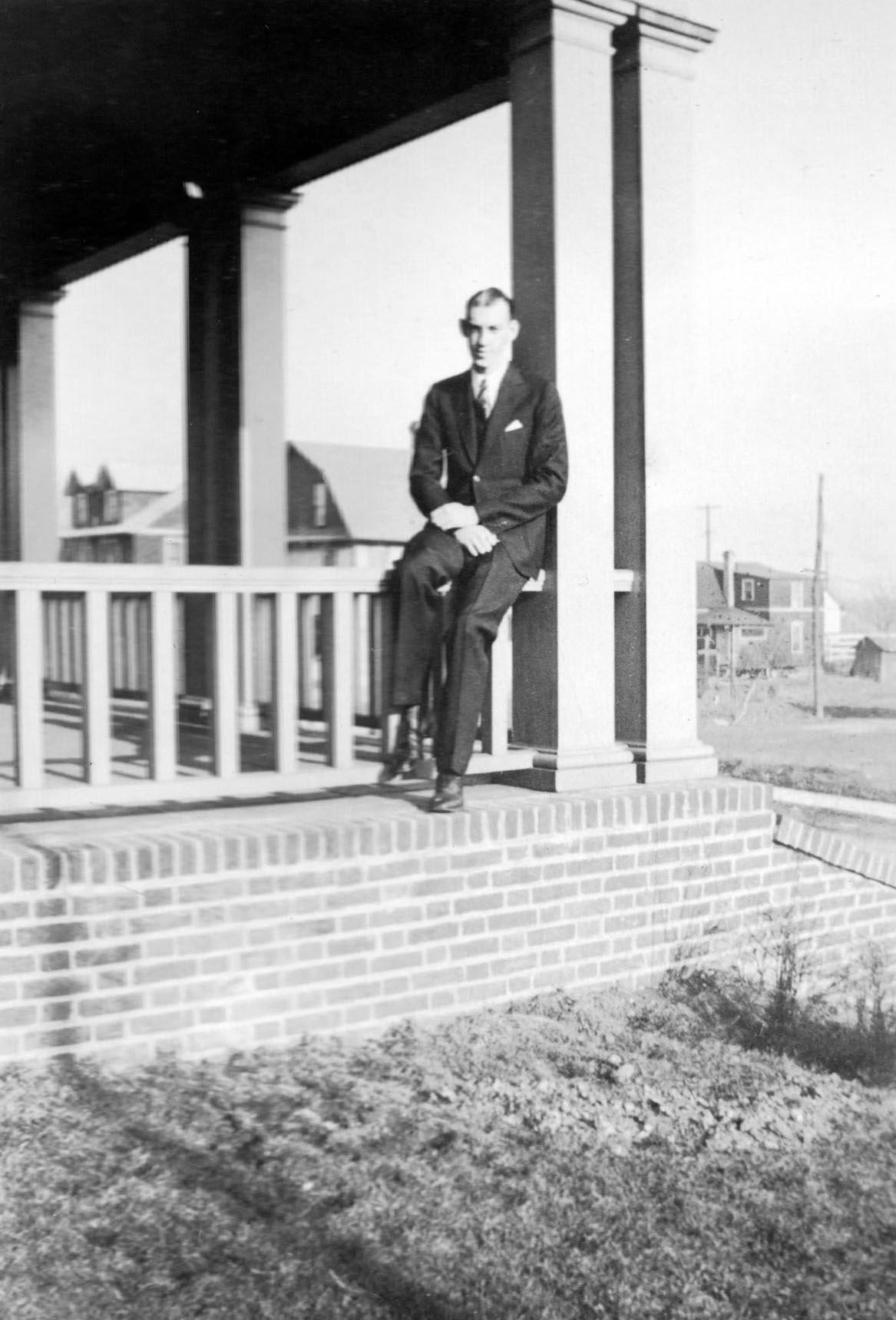 Daniel W. Llewellyn 1935