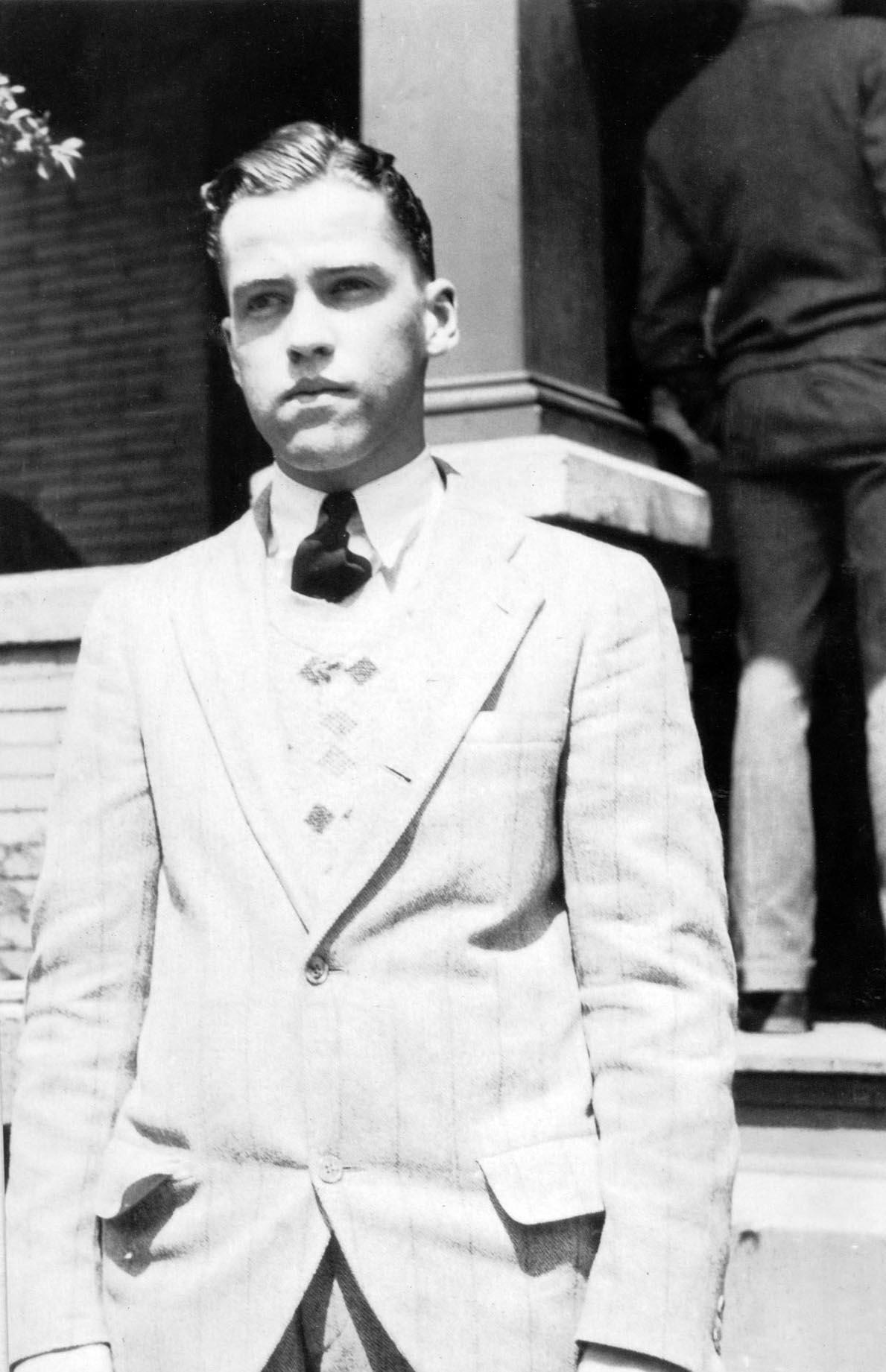 William E. William Jr. 1932