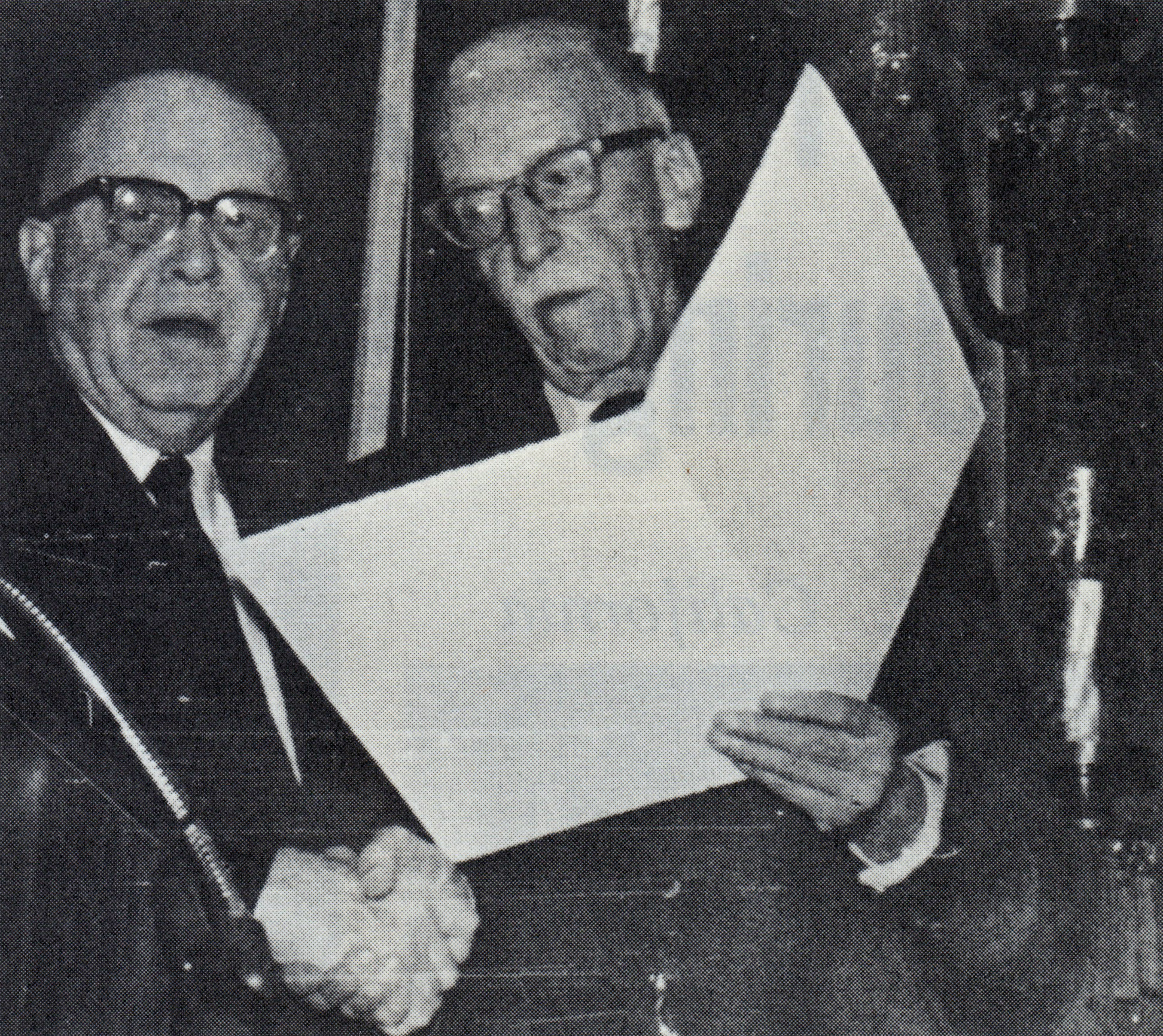 George W. Chapman (R) with Rex A. Smith, Executive Director of Sigma Alpha Epsilon and the retiring president of the CFSA during their summer meeting in Chicago as Chapman recieves a ciation from the College Fraternity Secretaries Association - Nov. 30, 1967