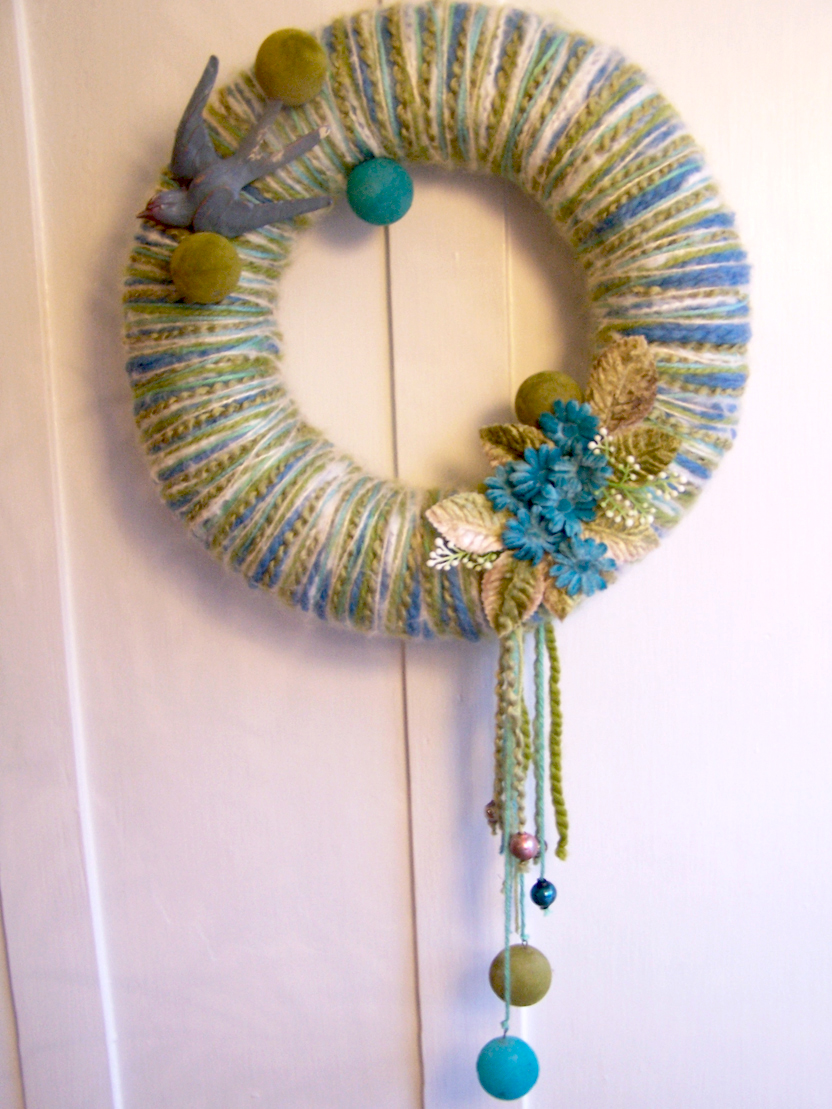 Blue Bird & Ball Yarn Wreath