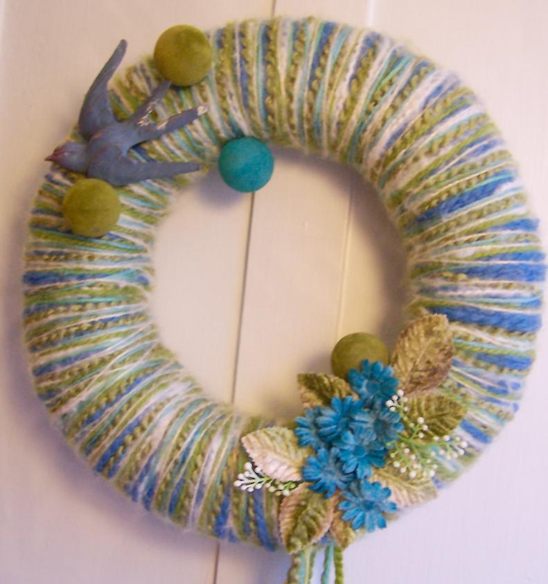 Blue Bird & Ball Yarn Wreath, detail