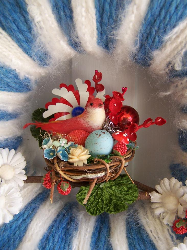 Red, White & Blue Bird Yarn Wreath, detail