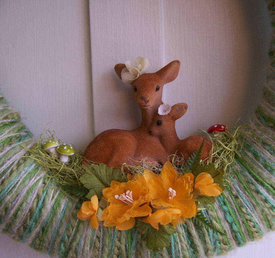 Pretty Dears Yarn Wreath, detail