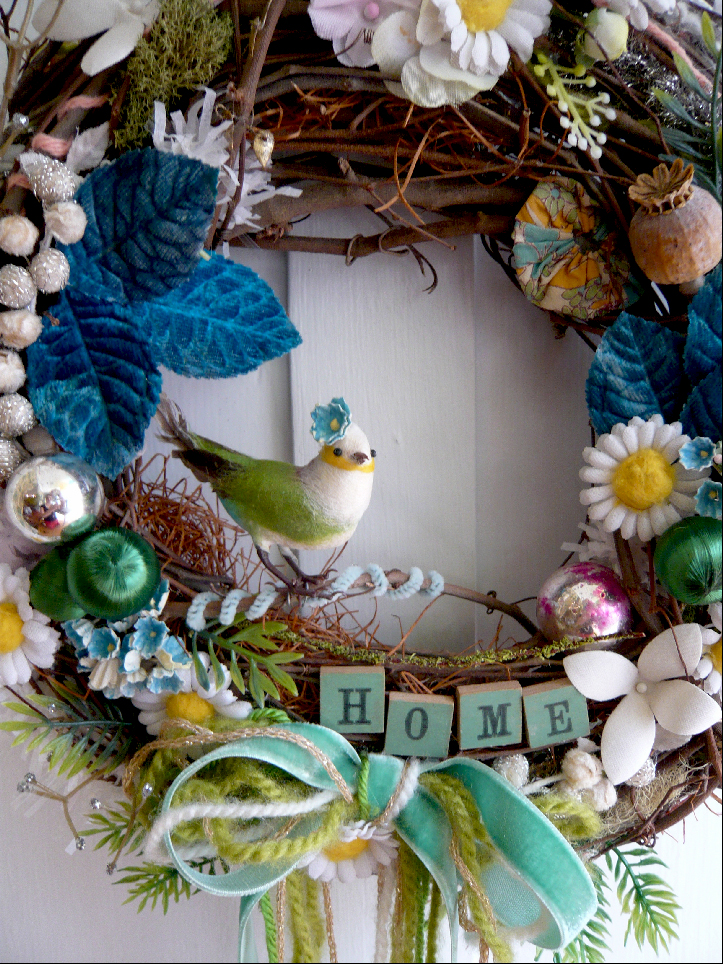 Home Bird Crazy Wreath, detail