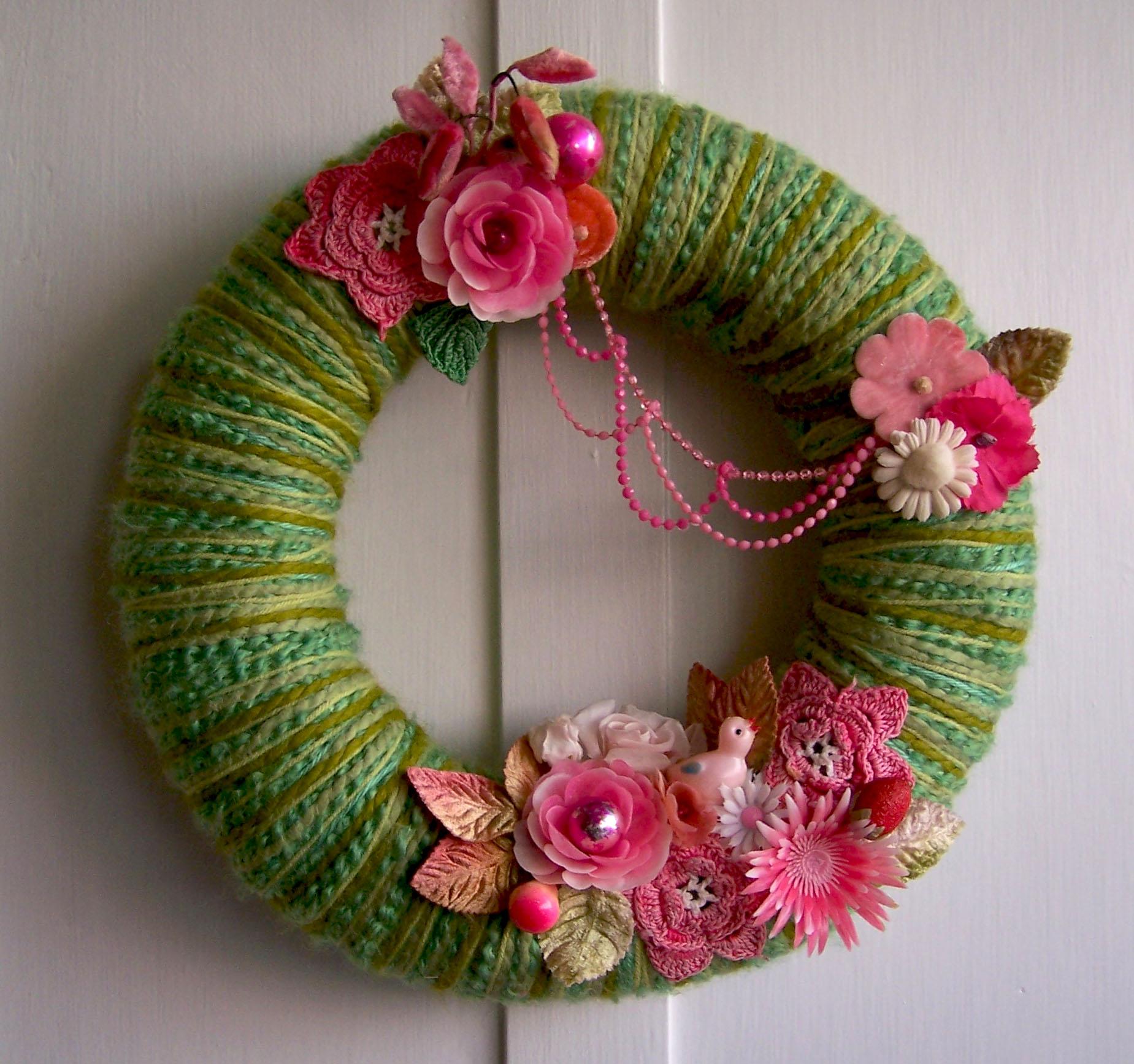 Pinkie Green Yarn Wreath