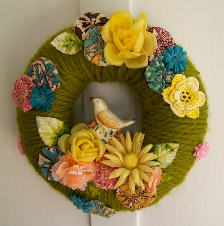 Yo-Yo's & Yarn Wreath