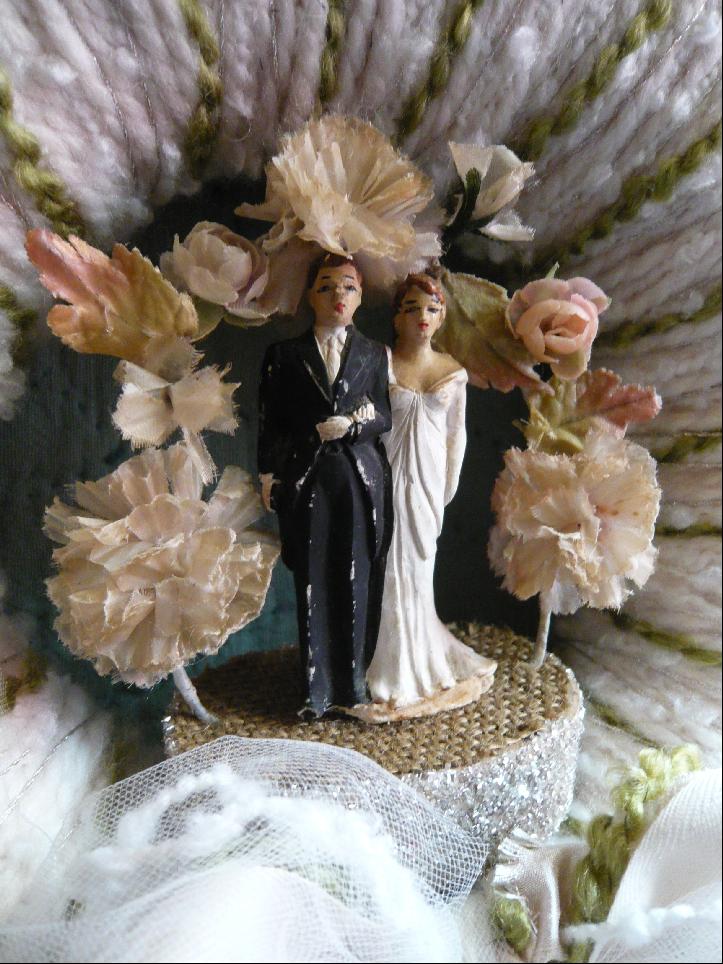 Sutton Wedding Yarn Wreath, detail