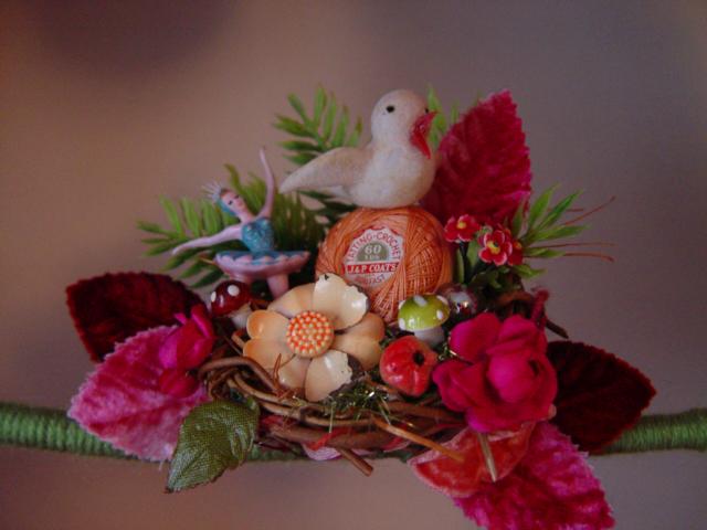 Super Pinks Yarn Wreath, detail