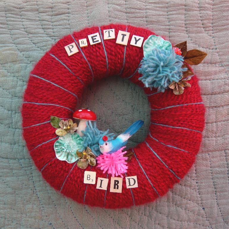 Pretty Bird & Yarn Wreath Red